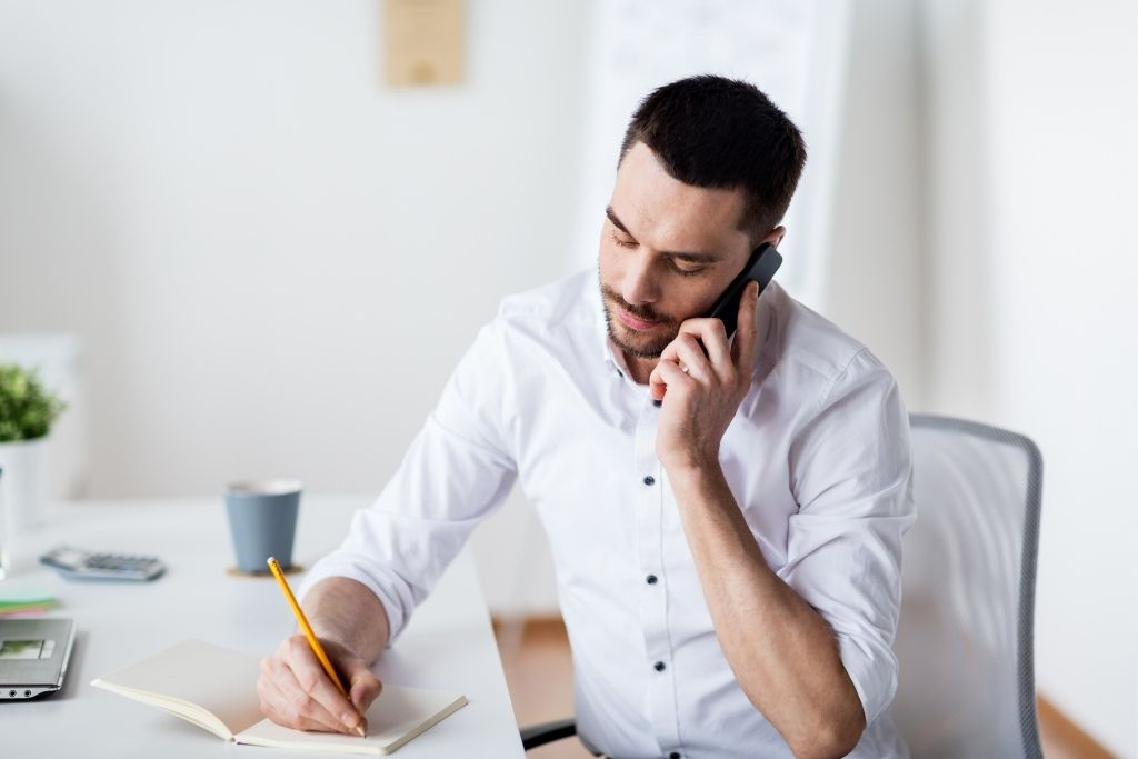 Cómo checar mi crédito vía telefónica en USA